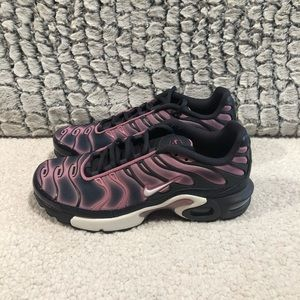 NIKE Air Max Plus GS Gridiron Grey/Pink